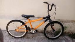 Bicicleta Cross aro 20 muito nova
