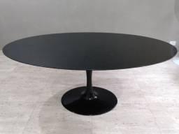 Mesa de jantar modelo Tulipa preta, novissima