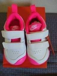 Tênis Nike Menina Pico 5 Tamanho 20 Novo na Caixa