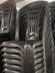 Super oferta de Cadeira nova de plástica sem braço preta no atacado