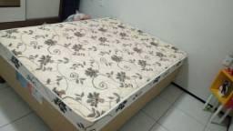 Cama Box com colchão acoplado