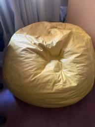 Puff amarelo grande