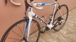 """Barbada"" Bicicleta Speed Cervelo R3 Ultegra DI2 Eletrônico"