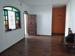 Cod.:2720 Casa, para venda, com 3 quartos, 2 salas, 3 banheiros, 3 vagas no Santa Mônica