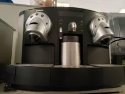 Cafeteira nespresso gemini 233
