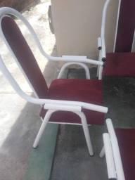 Conjunto de cadeiras de área