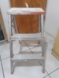 Escada de alumínio três degraus usado