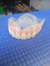 Dentaduras consertos a partir de R$ 100