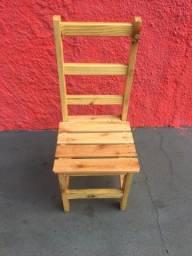 Cadeira de Madeira (nova)