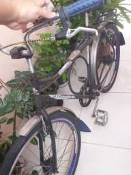 Bicicleta montada antiga