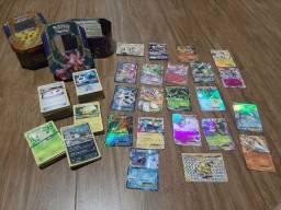 Lote de cartas Pokémon + 2 latas