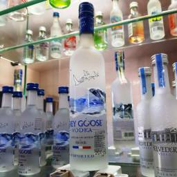 Miniatura Vodka Grey Goose Francesa - 200ml - Original, Lacrada e Licenciada