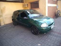 Vendo Clio Hatch - 2001