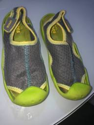 Crocs importada