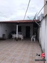 Casa à venda no bairro Maleitas, com dois quartos.