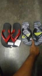 Vende se duas sandália Raiden