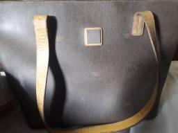 Vendo bolsa Victor Hugo original usada