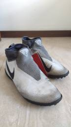 Chuteira Nike Phantom Pro React