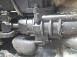 Motor de popa para retirada de peças
