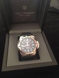 Relógio Victorinox swiss army novo, no estojo