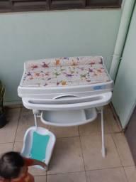 Banheira de Bebê Burigotto com Suporte e Trocador<br><br>