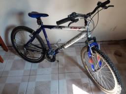Título do anúncio: Bike Aro 26 .  21 marchas peças ximano. Semi nova!.