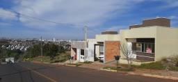Título do anúncio: casa com enorme terreno atrás no inicio do bairro Desbravador