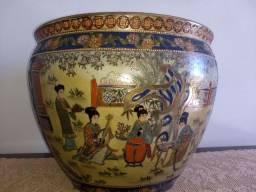 vaso aquário porcelana chinesa antigo século XIX desenhos em alto relevo