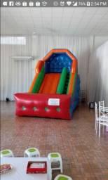 Vendo tobogã inflável