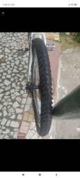Vendo pneus semi novos