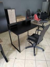 Mesa para estudo / Escrivaninha