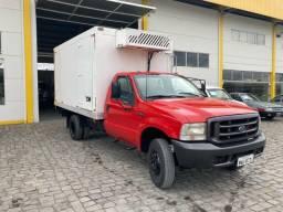 Caminhão f4000 com ar condicionado