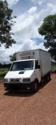Iveco Daily 4912 ano 2002