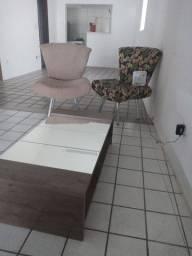 Vendo cadeiras centro e aparador