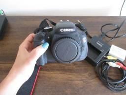 Câmera Canon EOS Rebel T3i e Lente EF 50mm f/1.8 STM (Seminova, usada poucas vezes)