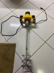 Misturador elétrico de argamassa