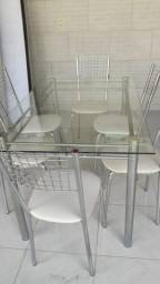 Mesa tempo de vidro com 6 cadeiras