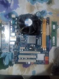 Vendo Kit AsRock-DDR2 667+Dual Core 2.6+2Gb Ram+Fonte