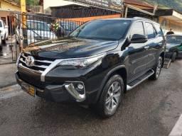 Hilux SW4 2018 SRX Top Diesel 7 lugares