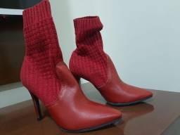 Salto meia/bota meia vermelha