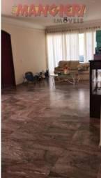 Aluga-se excelente casa de andar no Bairro São José
