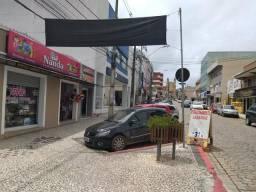 Aluga se terreno para construir Centro de Colombo