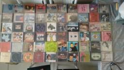 CDs nacionais e internacionais (50)R$150
