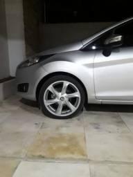Vendo ou troco rodas c pneus R$ 2.800!! - 2016