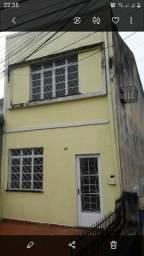 Alugo casa na presidente vargas de 2 andares