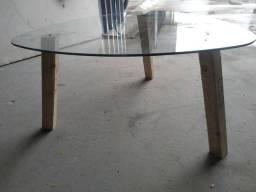 Mesinha pequena tampo de vidro