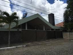 Belíssima casa no Bairo do Jardim Tavares, Campina Grande-PB, 580 mts construído