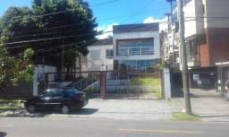 Casa com 300 m2 frente ao Guaíba na Vila Assunção