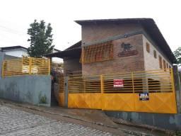 Casa rústica (de esquina / ótima localização)