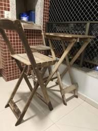 Mesa alta de sacada com duas cadeiras